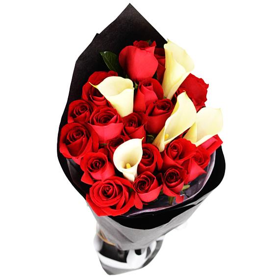 """""""Калла """"A la Noir"""". Букет с каллами и розами"""